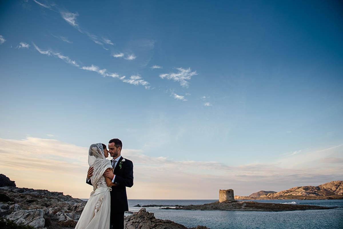 Matrimonio Spiaggia Sardegna : Un matrimonio al profumo di erbe aromatiche in sardegna