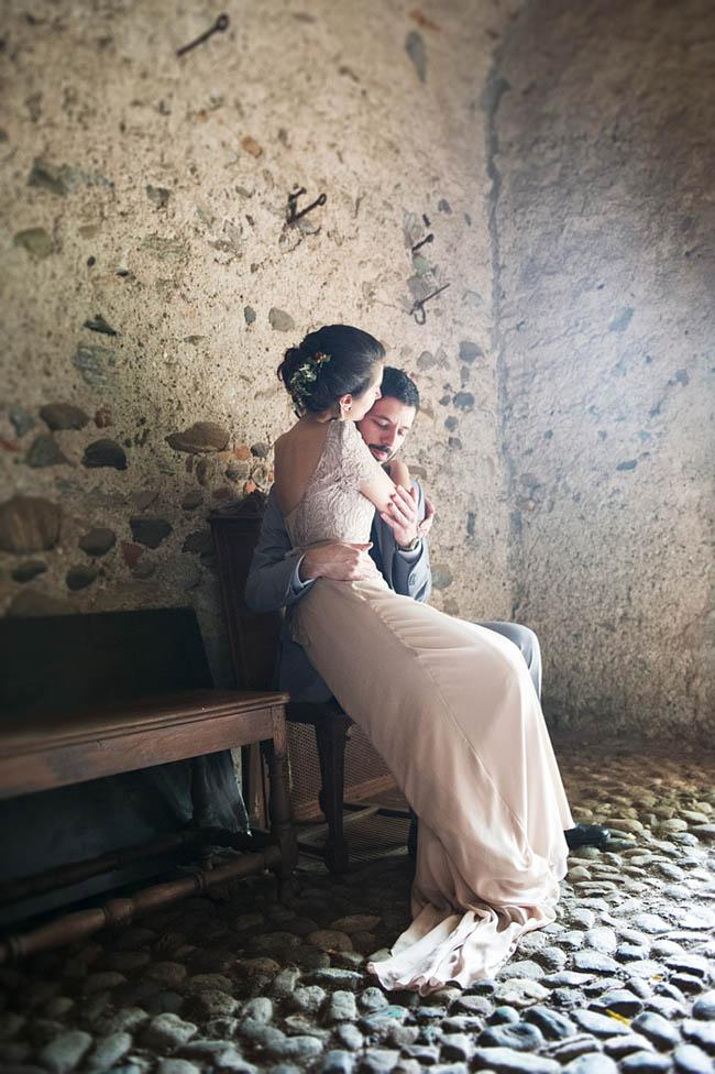 abito da sposa rosa cipria in pizzo