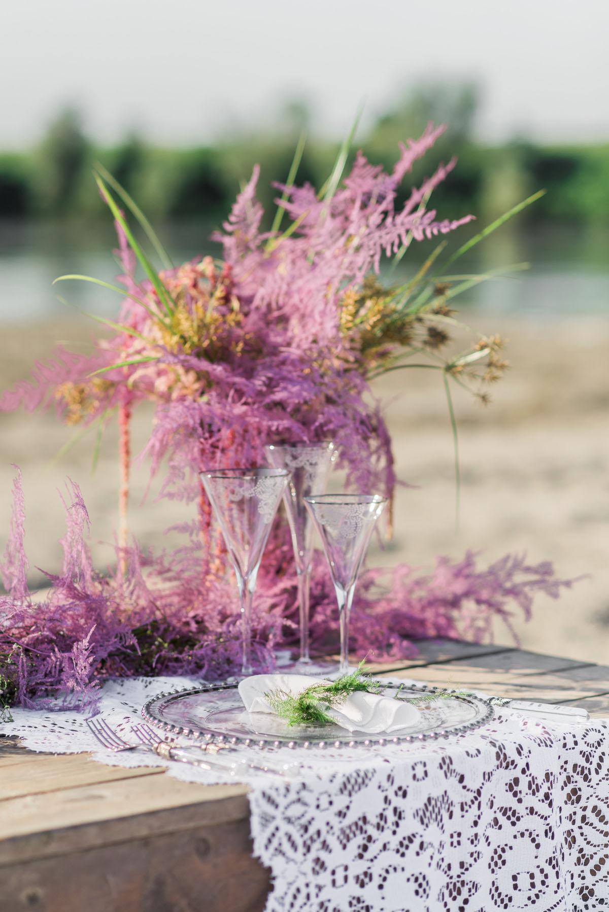 tavola matrimonio boho chic sulla spiaggia