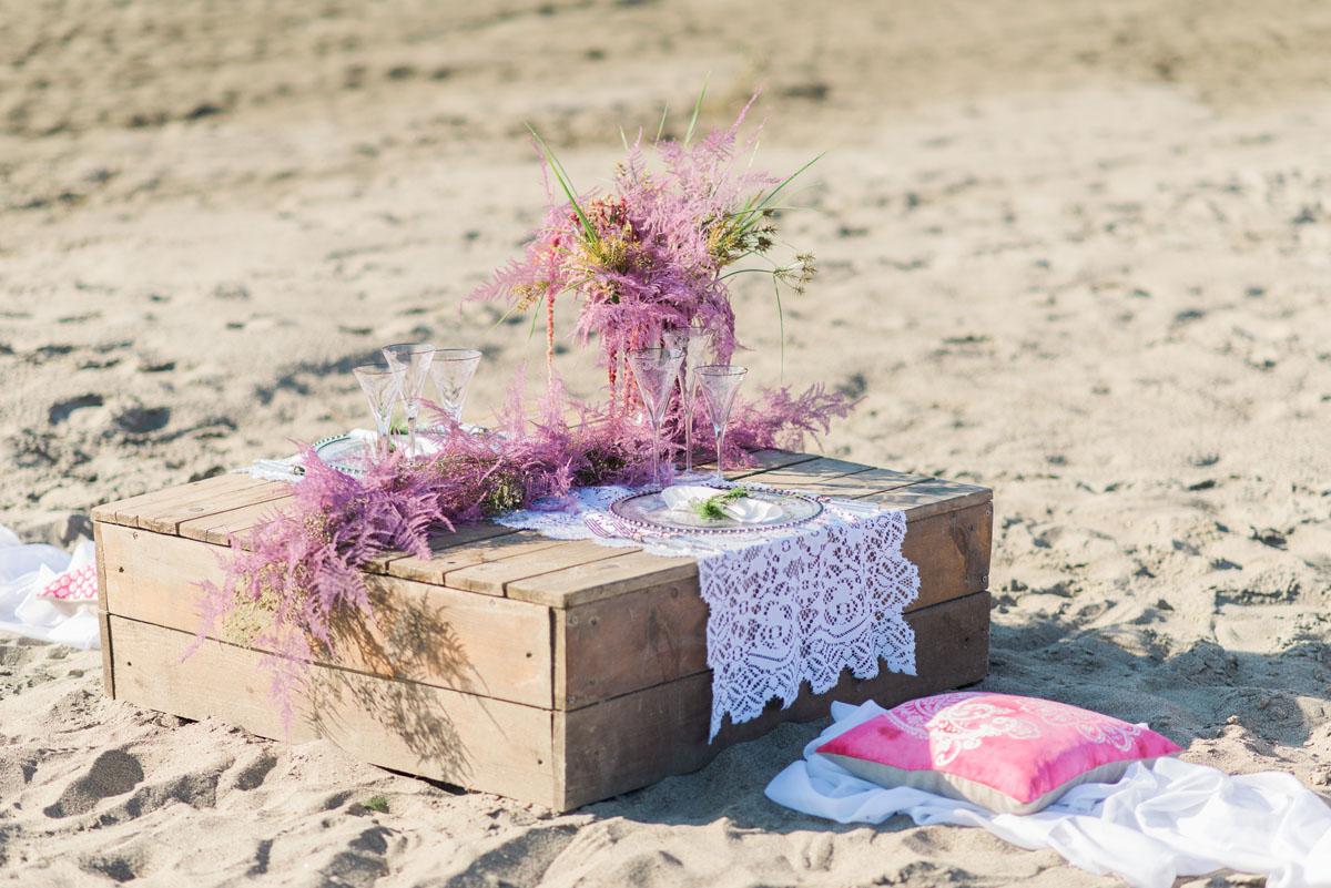 tavola matrimonio boho chic rosa e fucsia