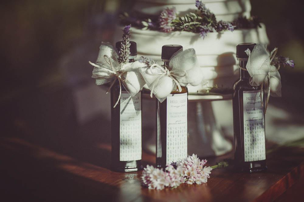 bottiglie di olio di oliva come bomboniere