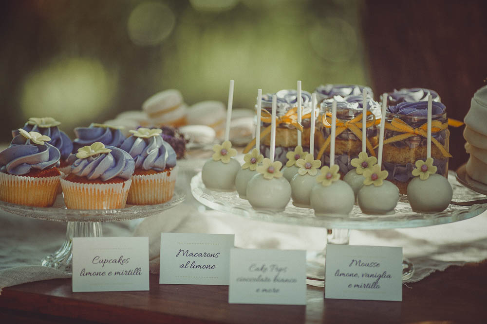 cupcakes e cake pops color lavanda