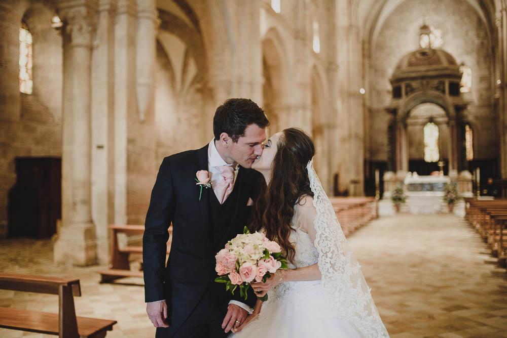 matrimonio rosa cipria sotto la pioggia
