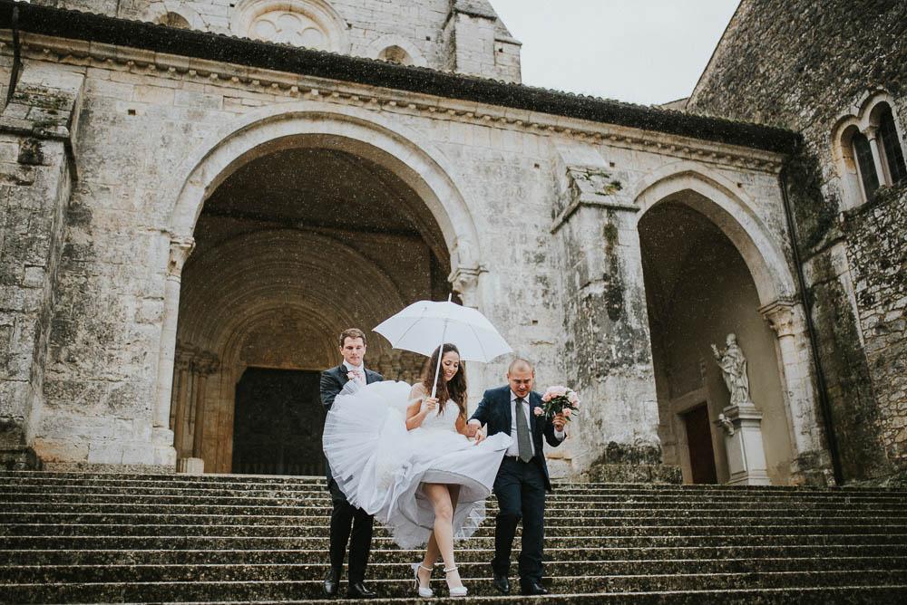 matrimonio primaverile sotto la pioggia