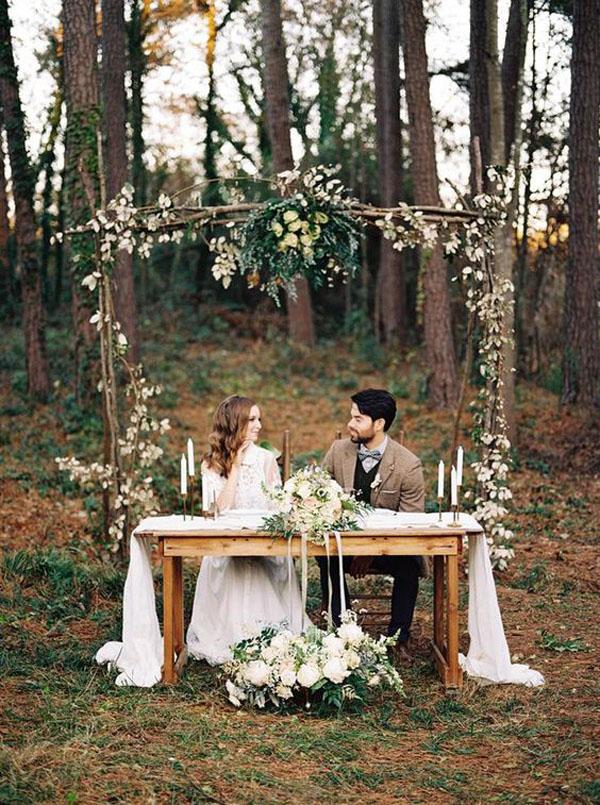 tavolo sposi matrimonio nel bosco