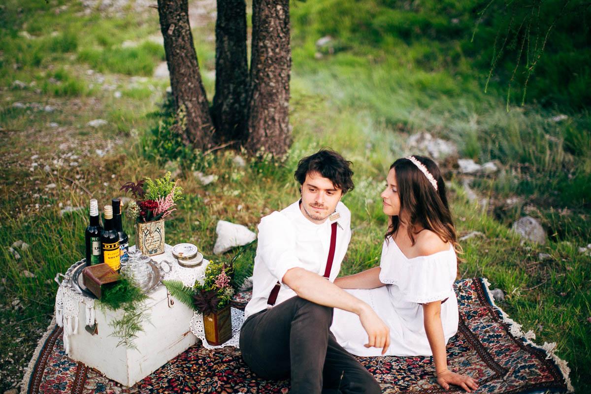 picnic in montagna per matrimonio bohémien