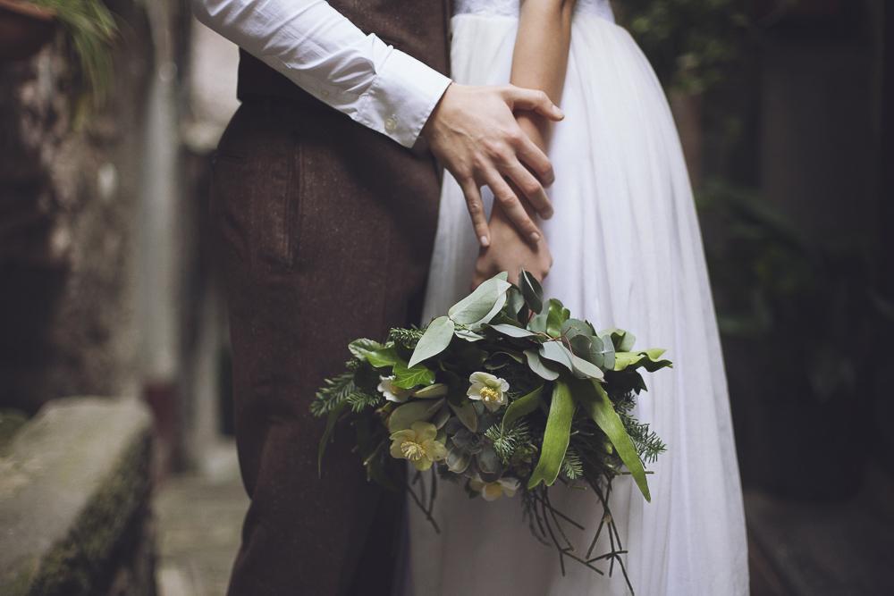 bouquet botanico con ellebori