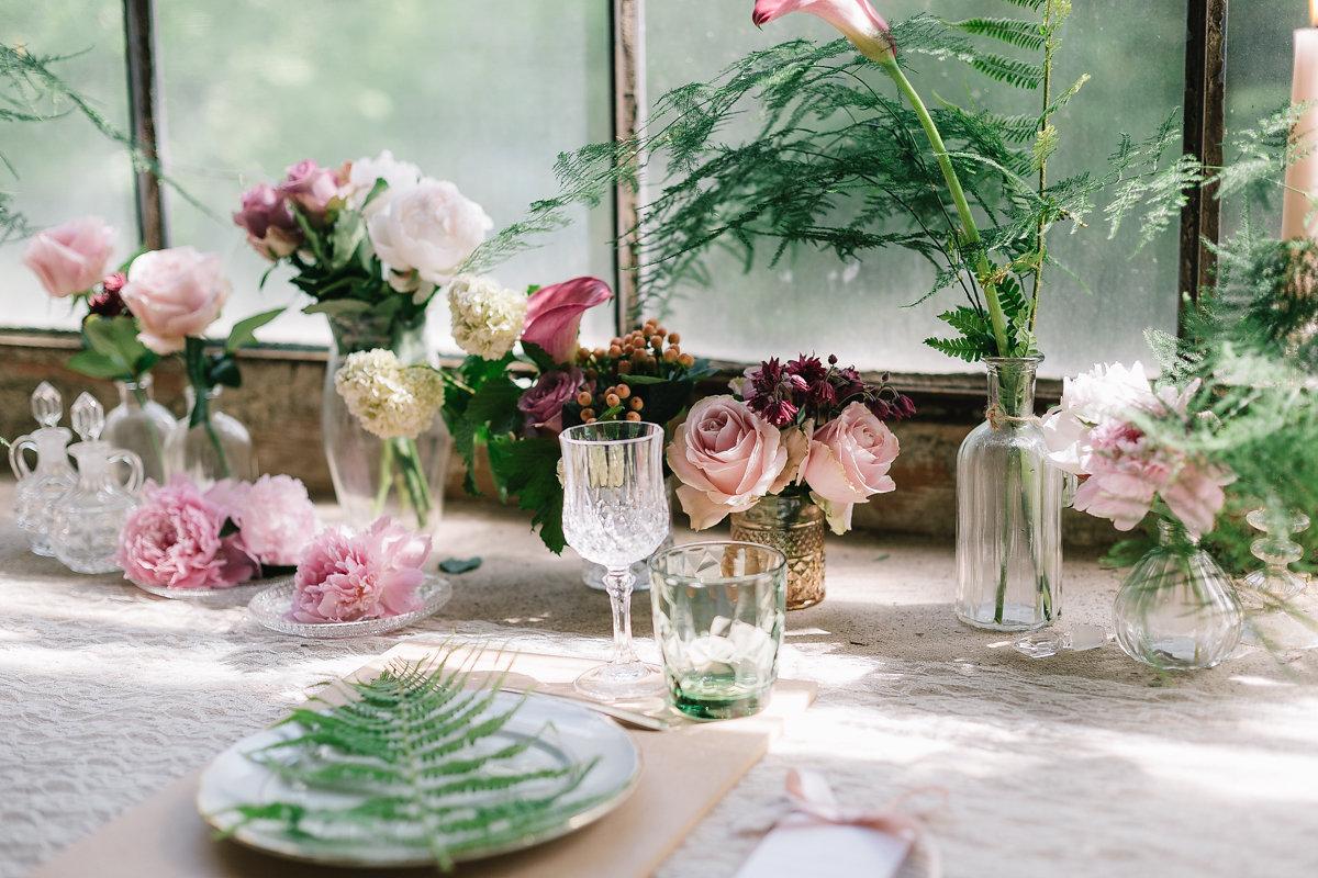 centrotavola matrimonio botanico verde e rosa