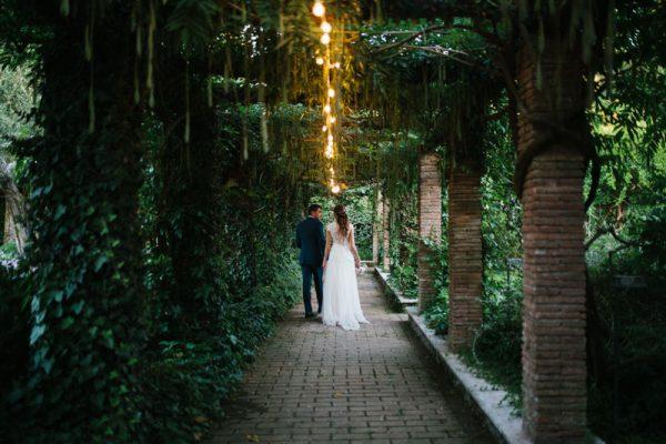 Un abito Yolan Cris per un matrimonio sull'Appia Antica