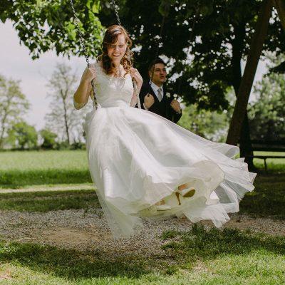 Polaroid e bandierine per un matrimonio dai colori pastello