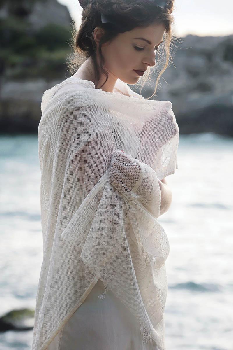 scialle da sposa in plumetis