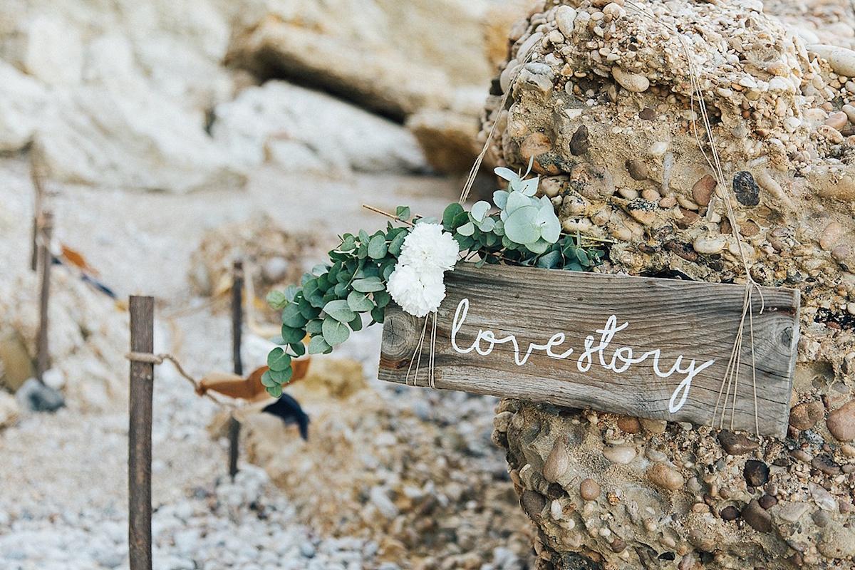 cartello matrimonio rustico sul mare