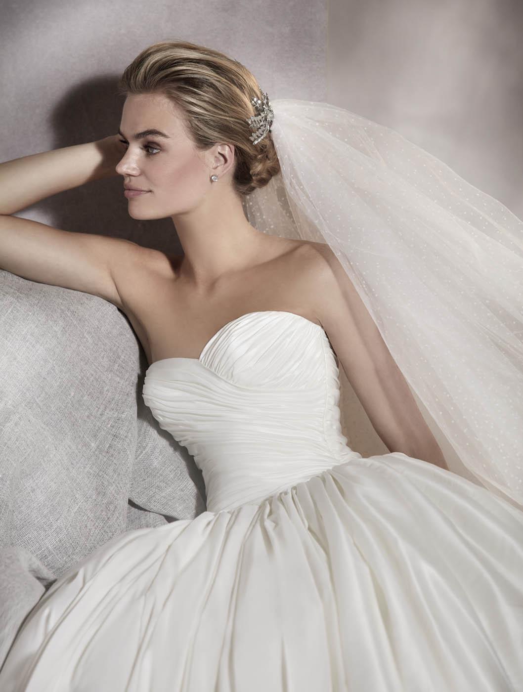 pronovias sposa 2017 - modello AURELIA