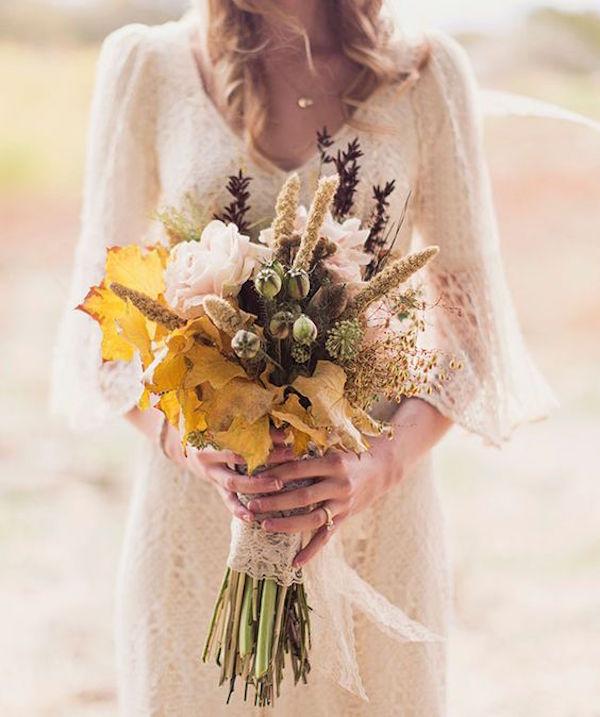 bouquet autunnale con foglie