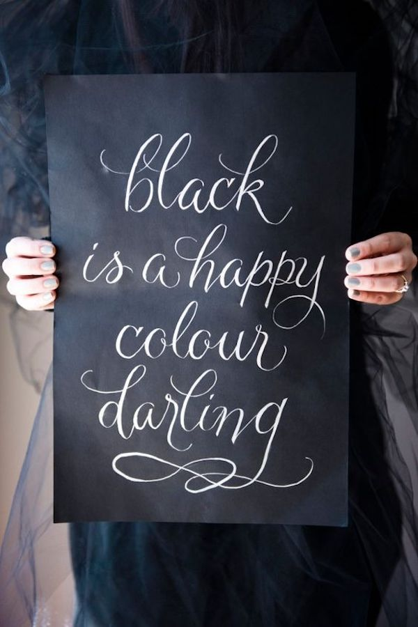 cartello matrimonio in nero e calligrafia