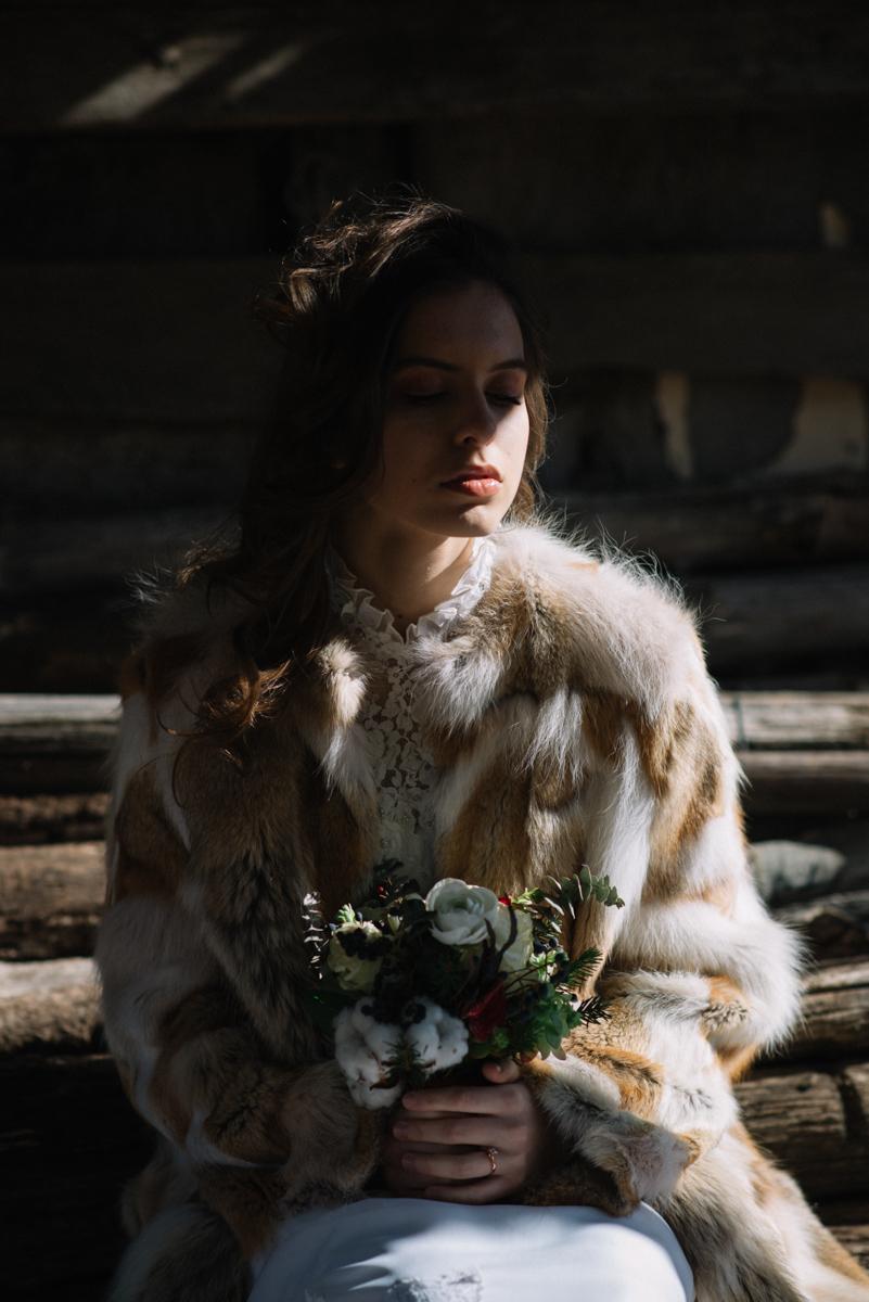 sposa d'inverno con pelliccia