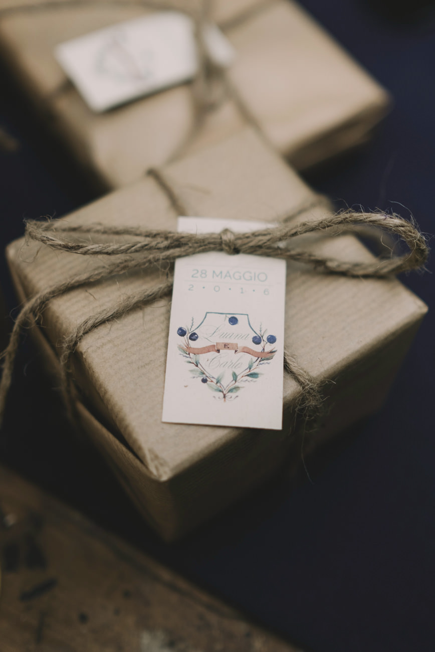 confezioni bomboniere con spago e carta kraft