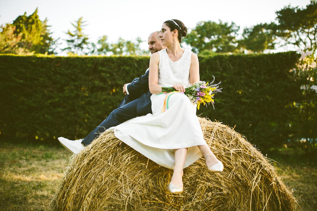 Organizzare Un Matrimonio Country Chic : Un matrimonio country chic nel giardino di casa wedding