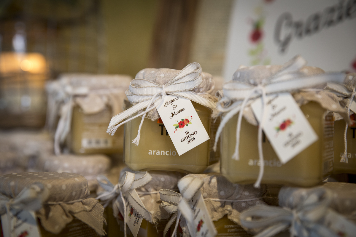 vasetti di miele come bomboniere