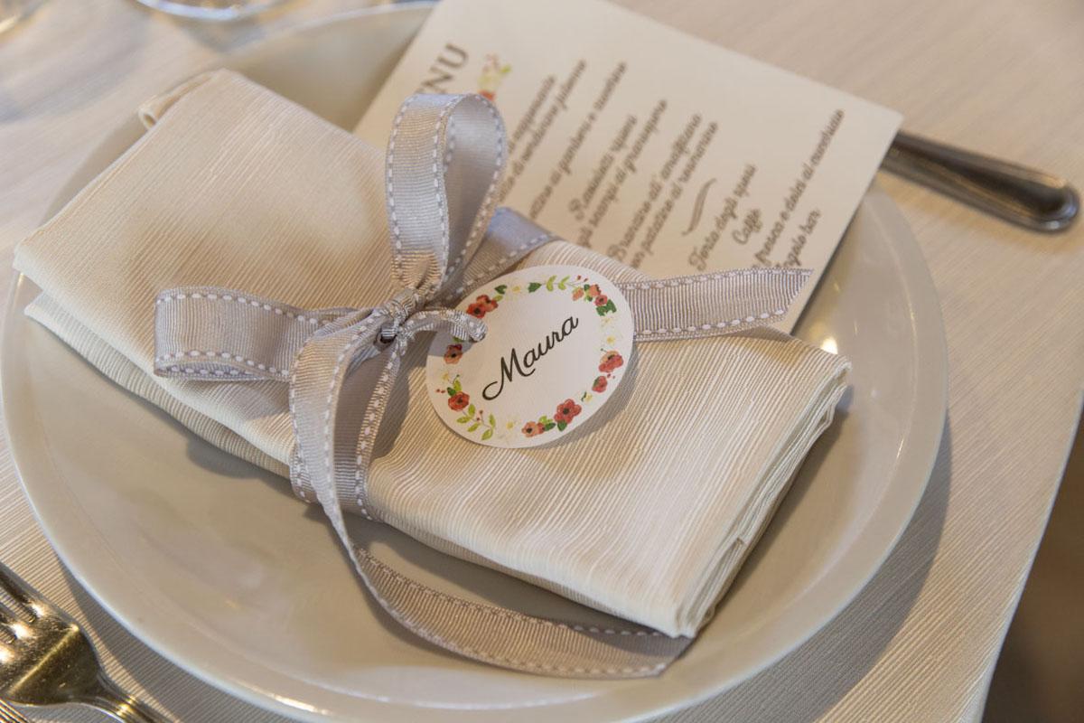 segnaposto matrimonio floreale