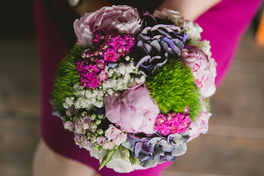 bouquet fucsia, verde e viola