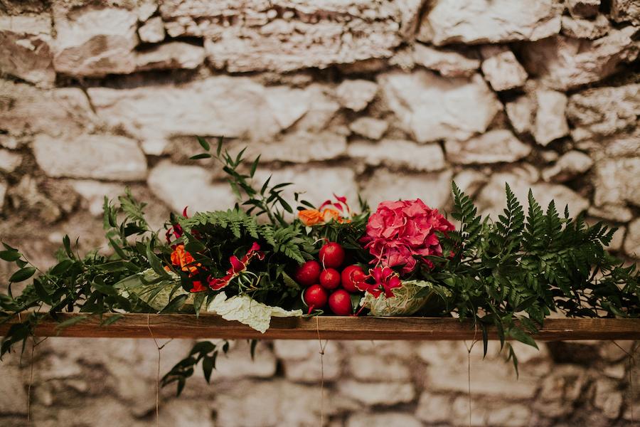 allestimento matrimonio con fiori e verdura