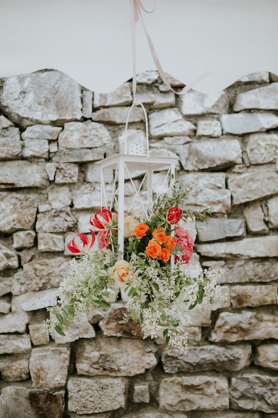 lanterna piena di fiori