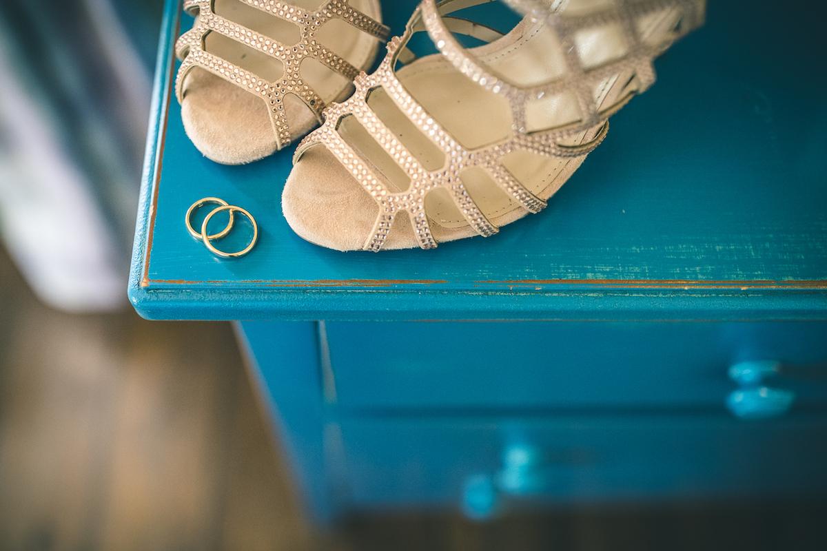 sandali dorati da sposa
