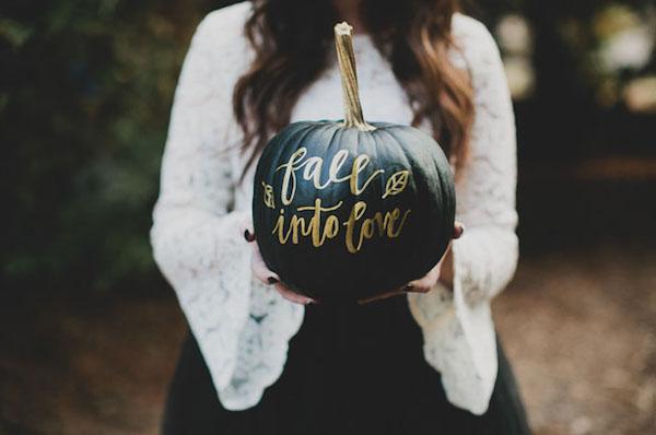zucca dipinta per matrimonio ad halloween