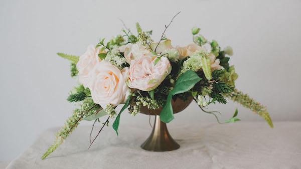 centrotavola fai da te con fiori di seta
