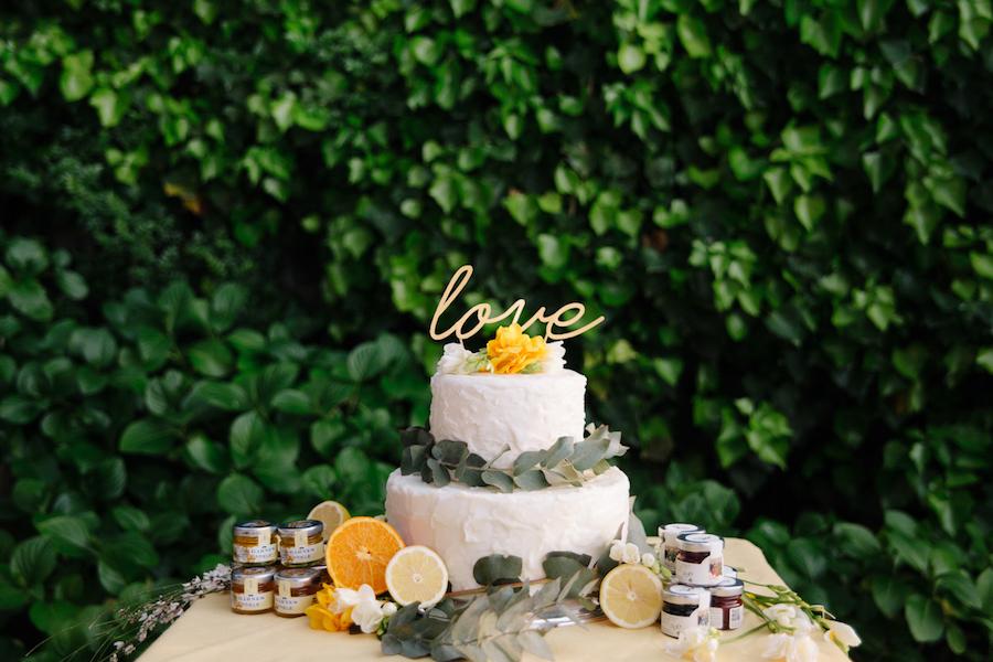 wedding cake con eucalipto e agrumi