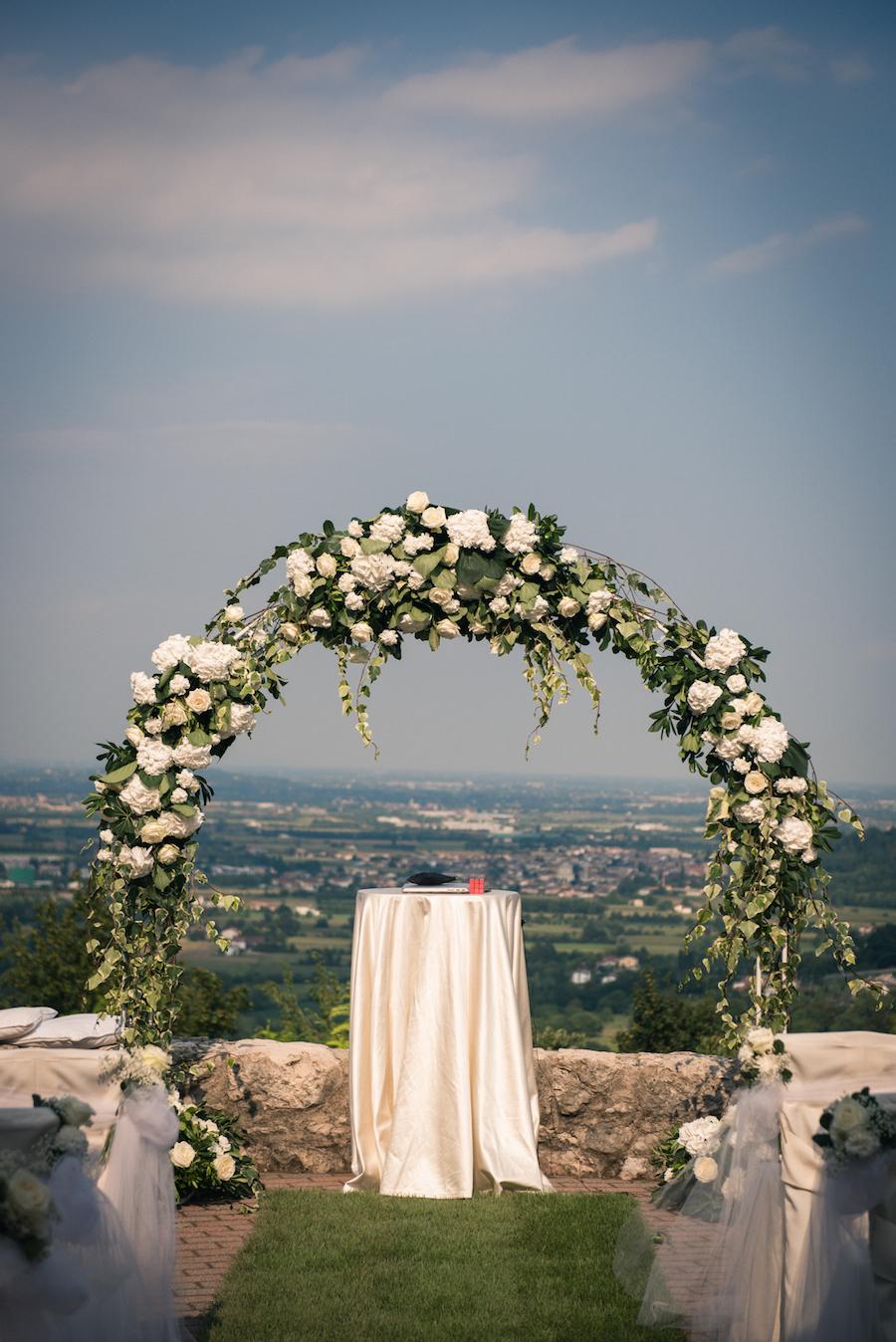 Matrimonio Simbolico In Giardino : Un rito simbolico per matrimonio bilingue wedding
