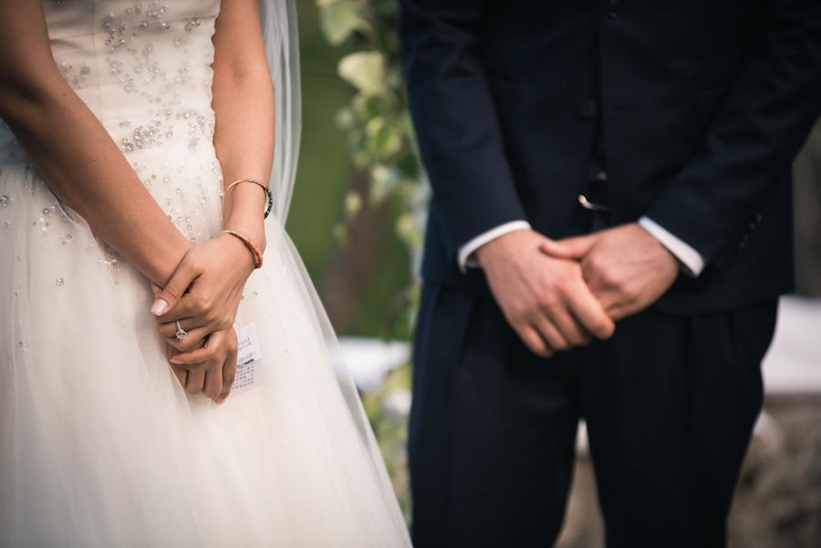 Matrimonio Simbolico All Estero : Un rito simbolico per matrimonio bilingue wedding