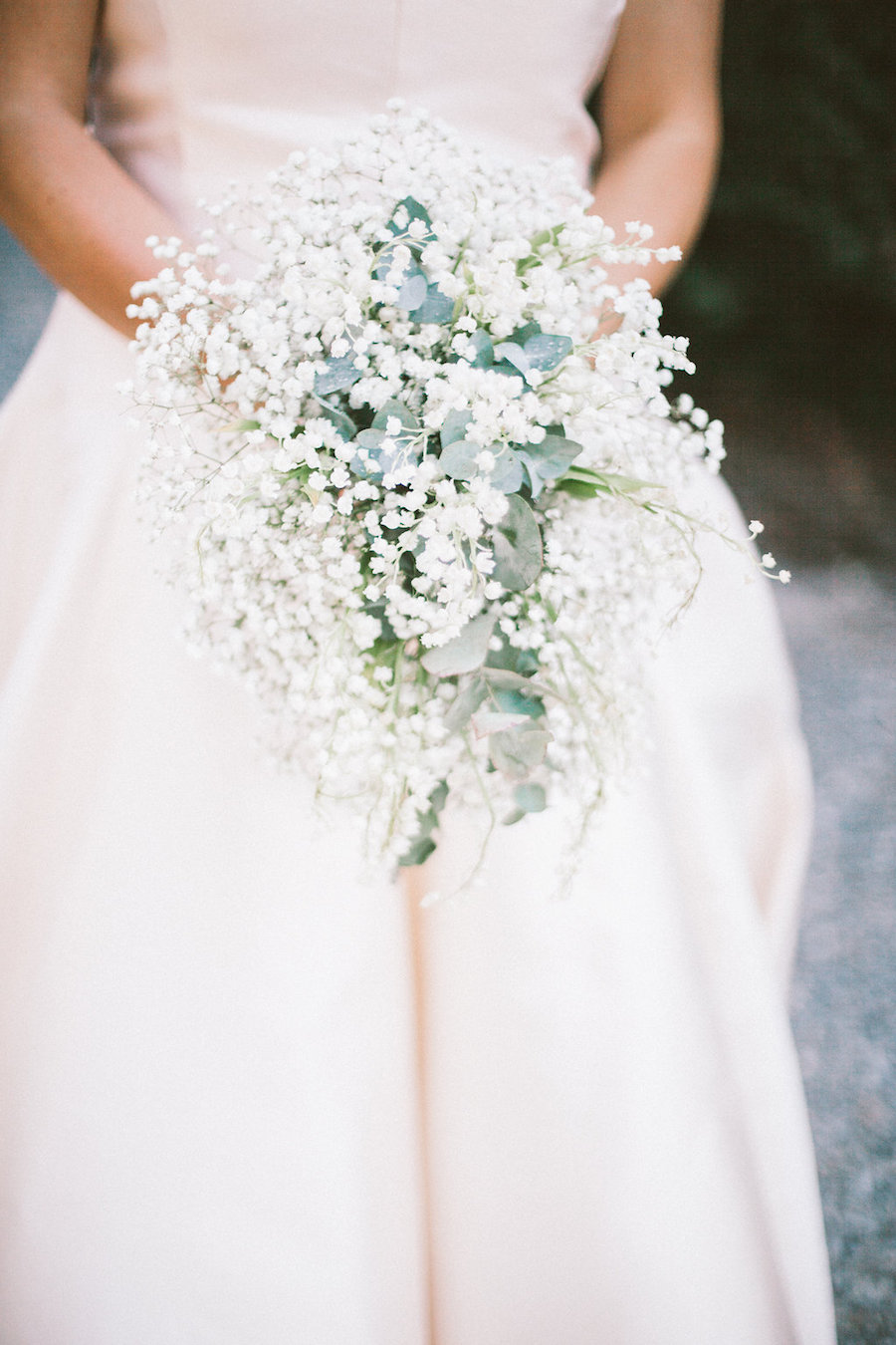 bouquet bianco con foliage