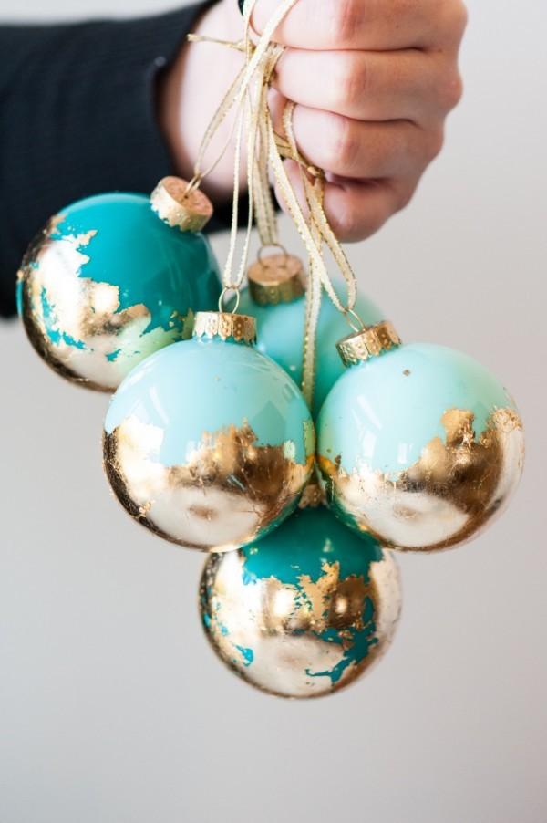 ornamenti-albero-di-natale-fai-da-te-con-foglia-oro
