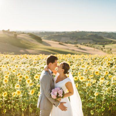 Un matrimonio in giardino nelle Marche