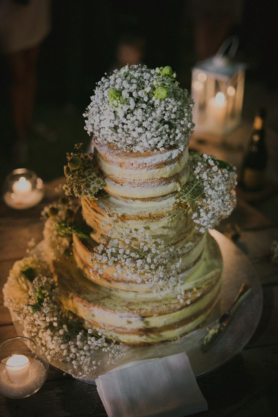 naked cake con gypsophila