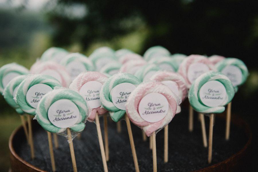 sweet table in verde e rosa