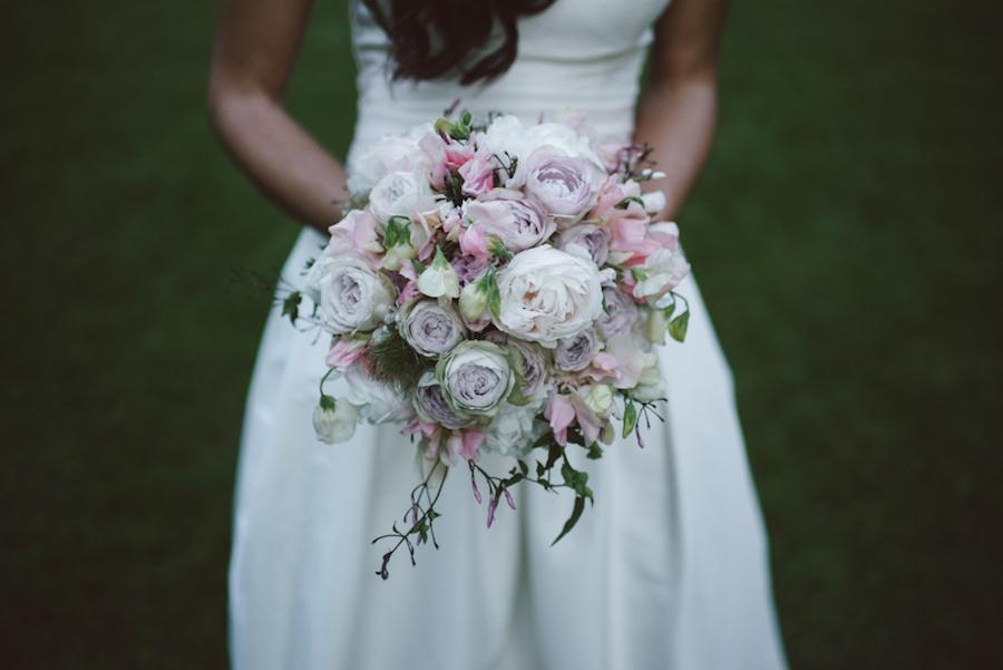 bouquet bucolico con peonie rosa
