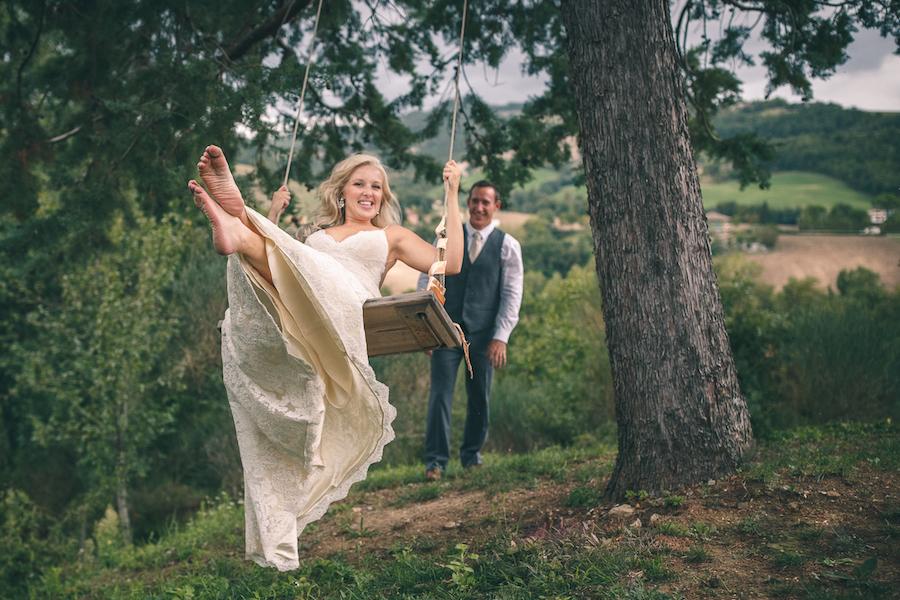 Matrimonio Rustico Umbria : Un matrimonio rustico tra rami di ulivo e bouquet fai da