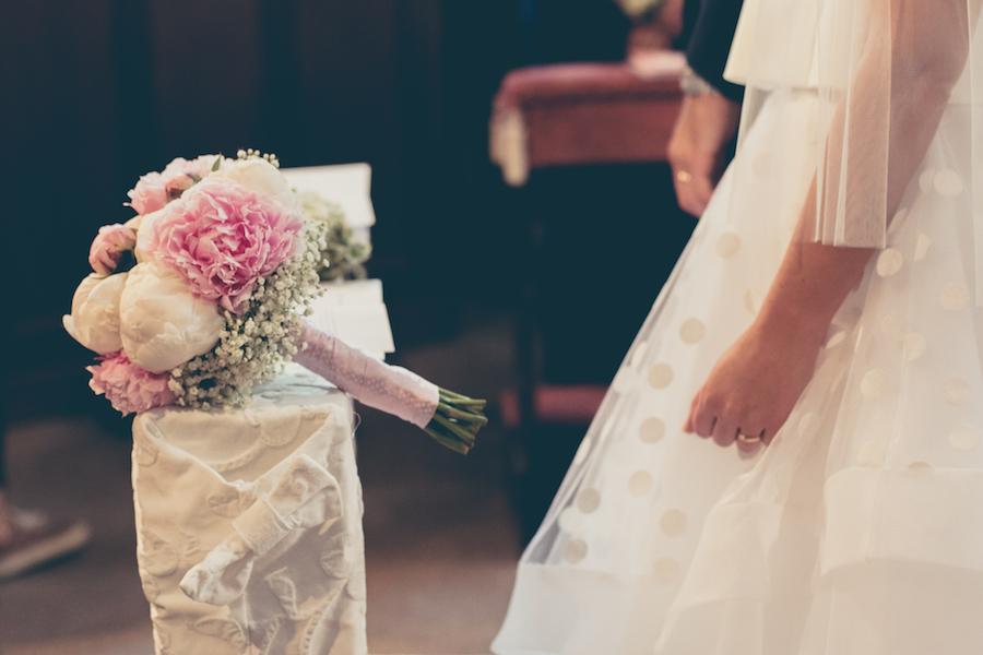 Vestito Matrimonio Rustico : Un abito da sposa a pois per matrimonio tra rustico e