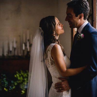 Fiori coloratissimi per un matrimonio ispirato ai viaggi