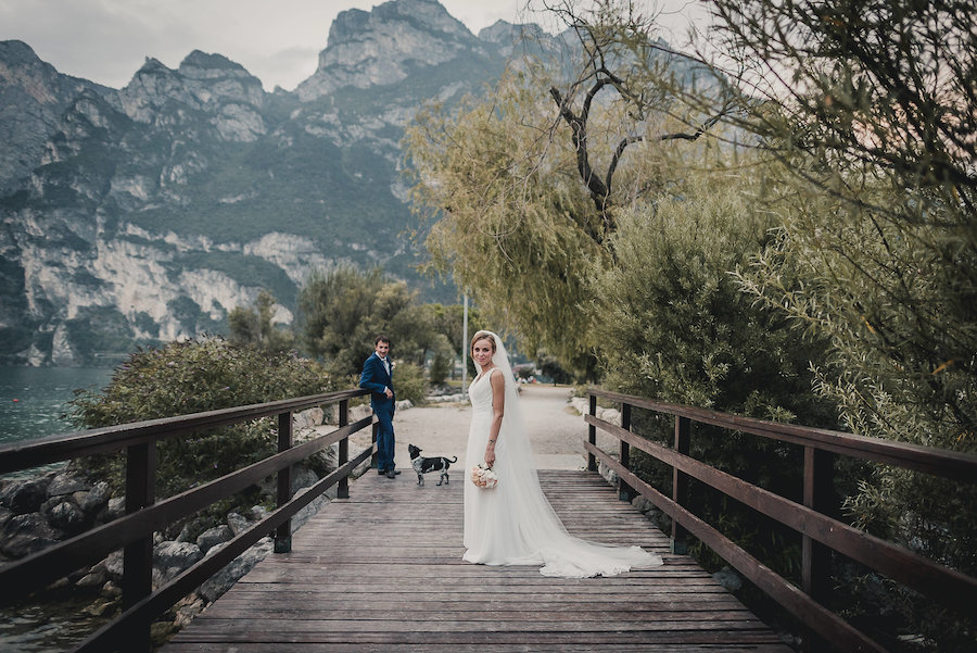 Matrimonio Country Chic Lago Di Garda : Un matrimonio romantico sul lago di garda wedding wonderland