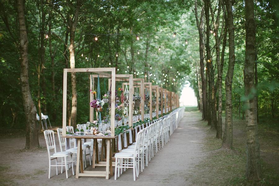 tavola matrimonio boho nel bosco