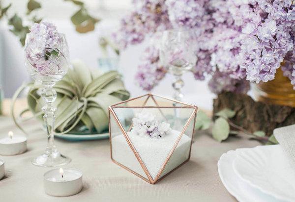 scatolina portafedi geometrica