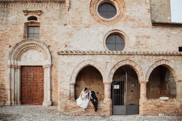 Colori pastello per un matrimonio all'Abbazia di Propezzano