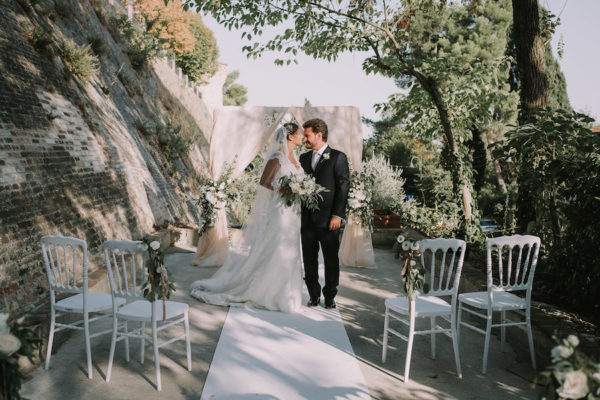 Foglie d'ulivo per un matrimonio organico