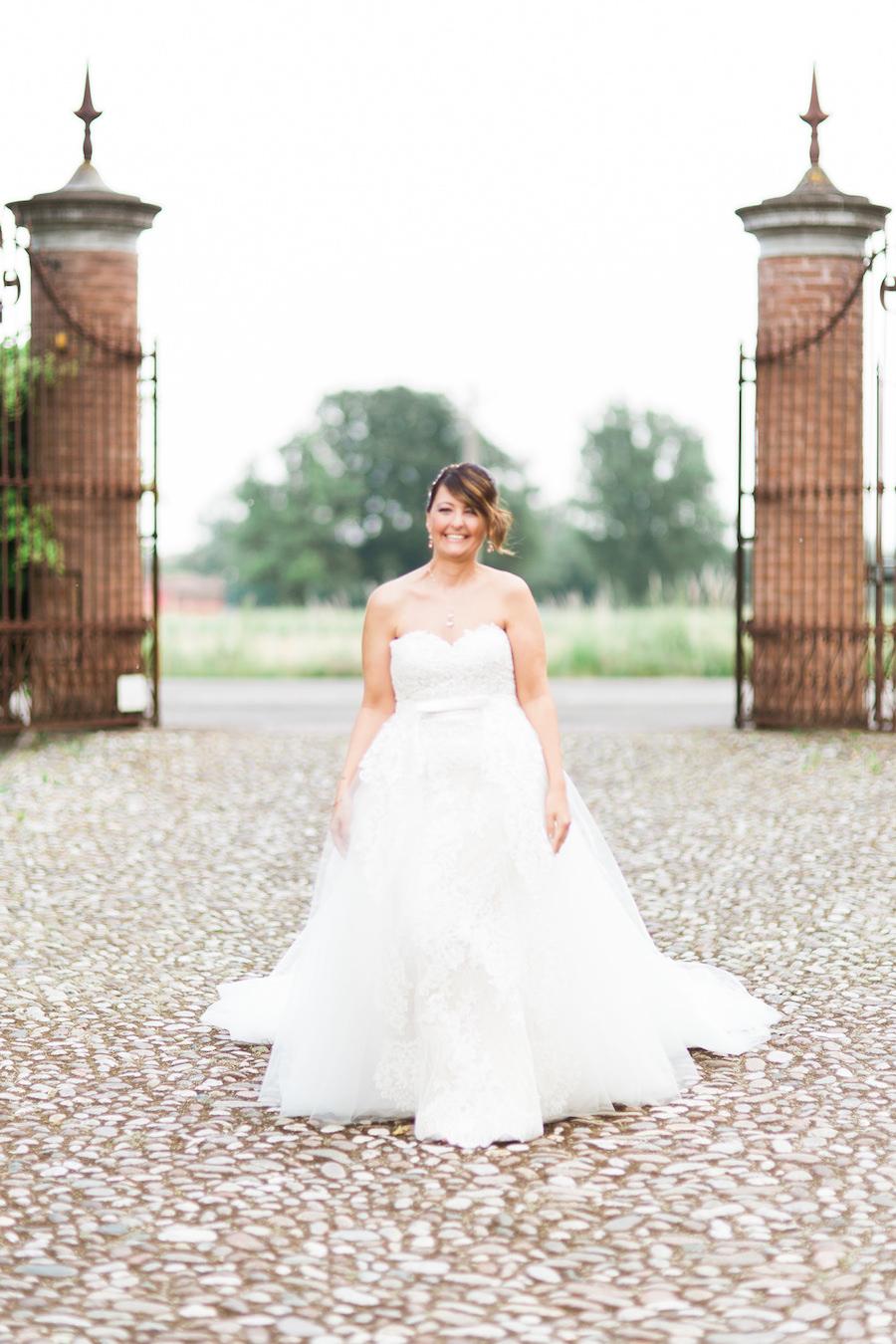 abito da sposa pronovias con scollo a cuore