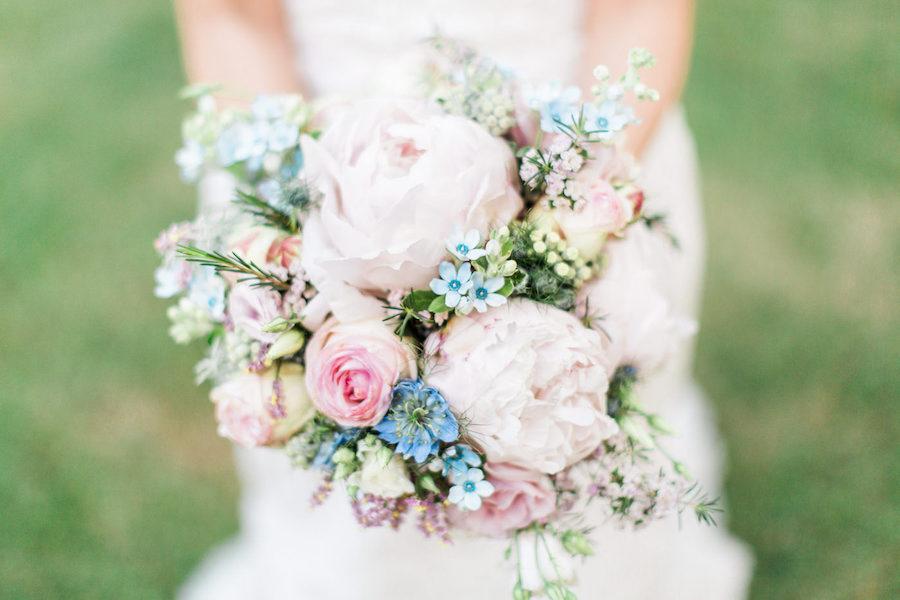 bouquet boho chic rosa e azzurro