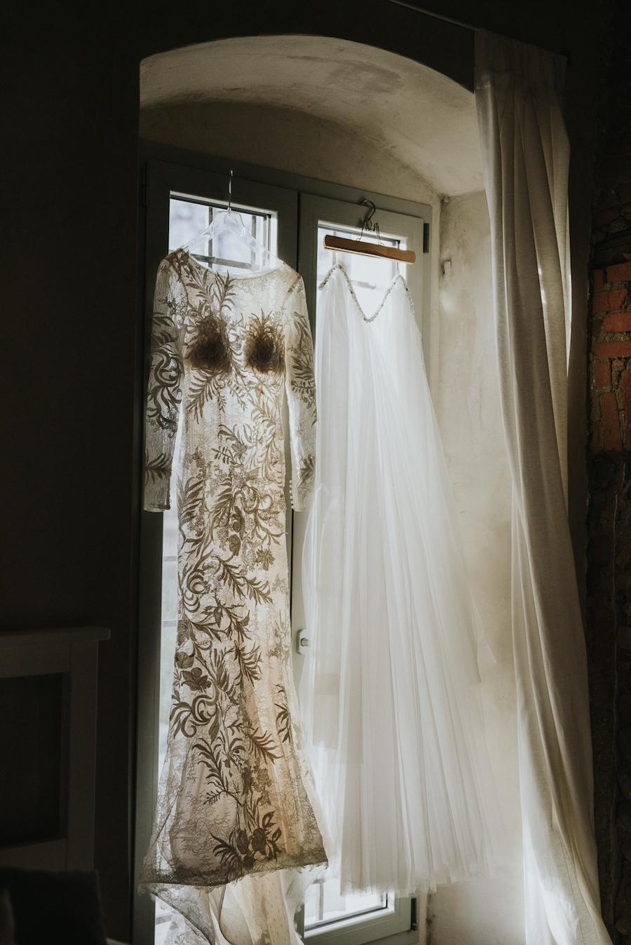 abito da sposa a maniche lunghe in pizzo